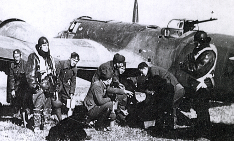 Οι Τέσσερεις Ήρωες Αεροπόροι του Αλμυρού στον Β'ΠΠ